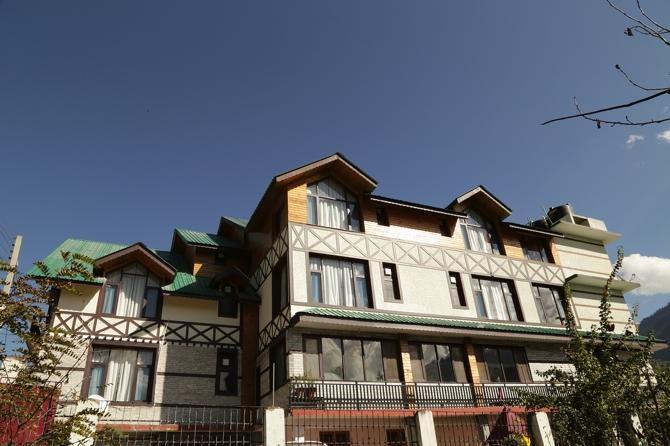 HK International Hotel Manali