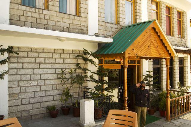 Apple Green Resort Manali, Rooms, Rates, Photos, Reviews, Deals, Contact No and Map