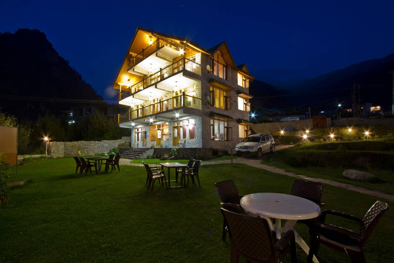 The White Stone Resort Manali Rooms Rates Photos