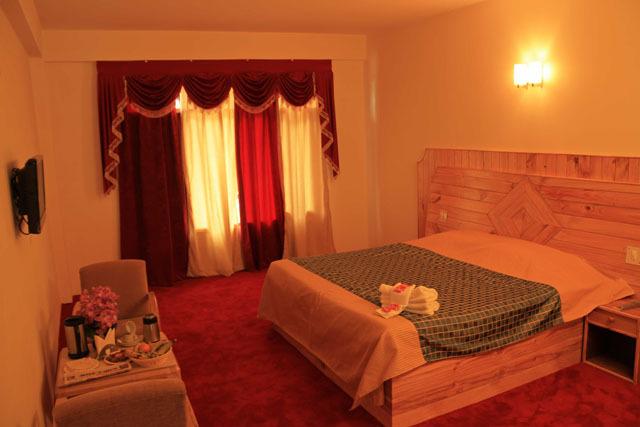 Mukund Palace Hotel Manali Rooms Rates Photos Reviews